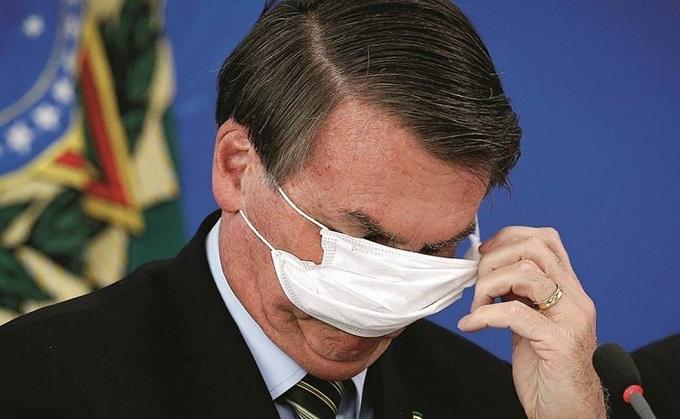 Bolsonaro afirma que não tomará vacina contra Covid: 'Minha imunidade está lá em cima, não tem cabimento'